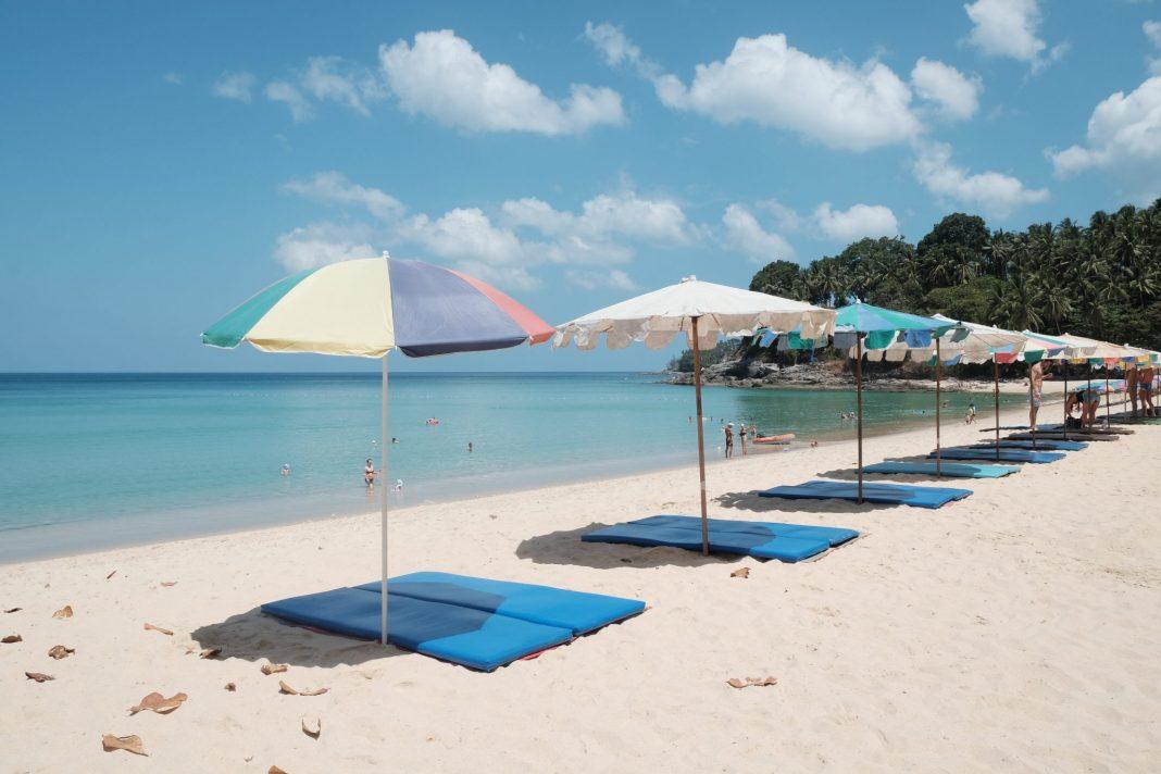4-surin-beach