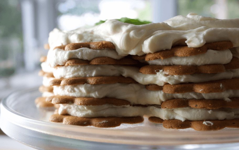 Lemon and Gingersnap Icebox Cake desserts